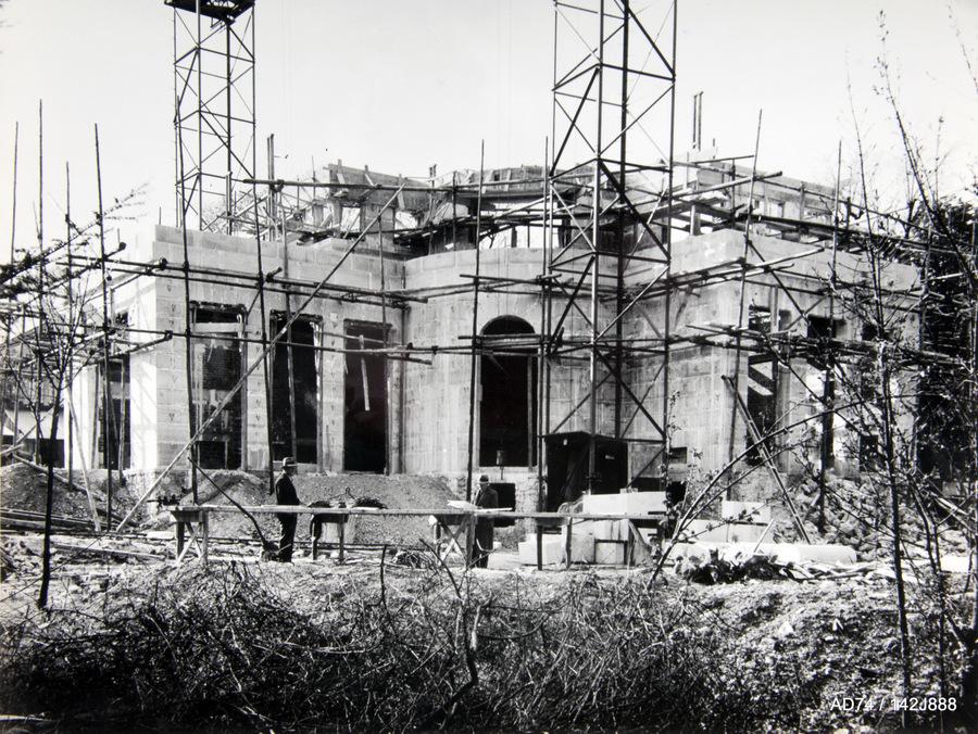 Chantier de la villa de M. Rodier, en collaboration avec P. Abraham architecte, milieu des années 1930 – Saint-Cloud (92)